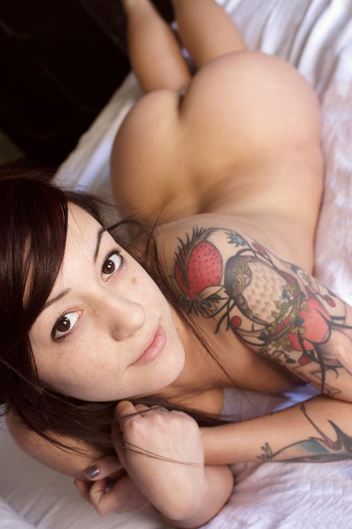 asian-cute-nude-chicks-with-tattoos