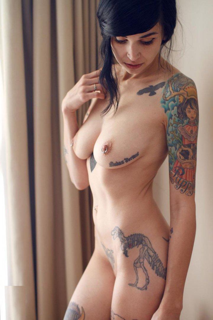 Смотреть девчонки оголенные, порно больших зрелых женщин сквиртинг