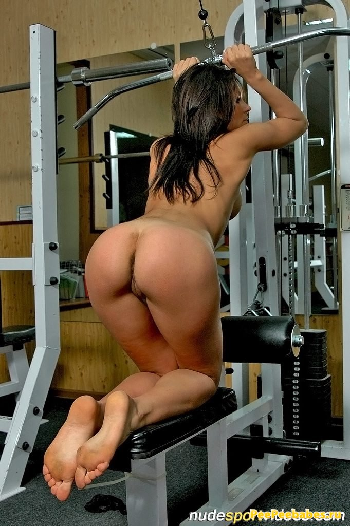 Naked pics of asian females in the gym