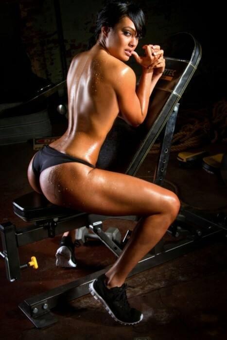 Фото голых телочек фитнеса