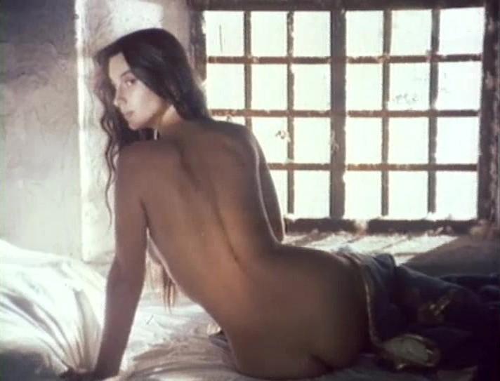 Голые телеведущие на откровенных эротических фотографиях