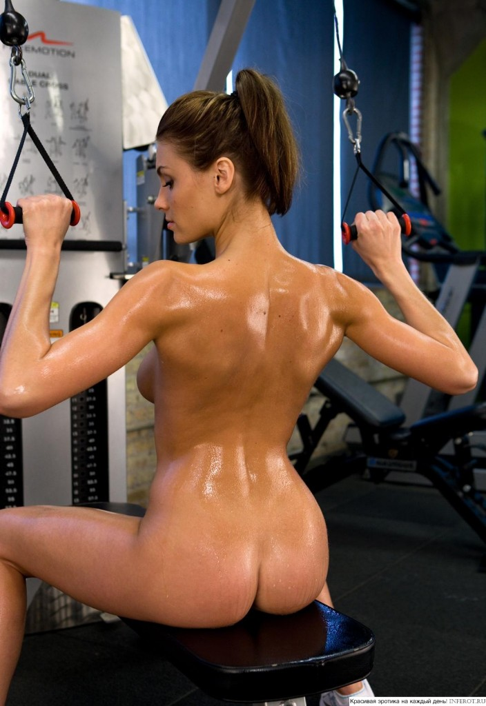голые девушки занимаются спортом фото